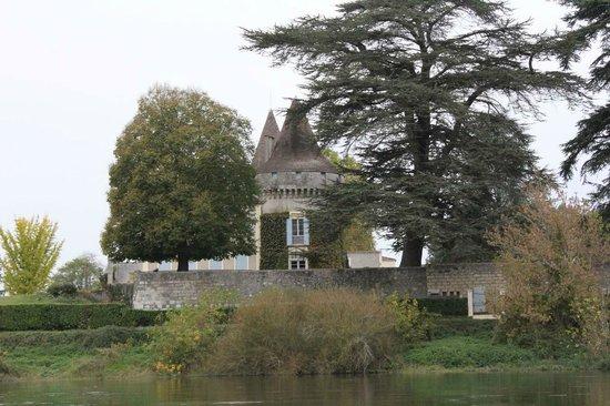 Balade au Fil de l'Eau : Le chateau de Saint Aulaye
