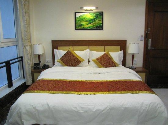 Sapa Paradise Hotel: Amplia habitación