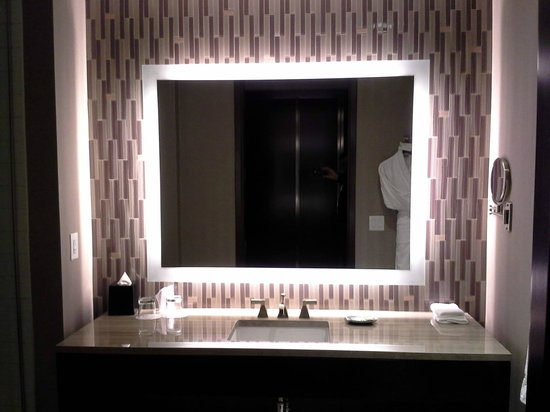 The Westin Phoenix Downtown Huge Mirror In A Modern Bathroom