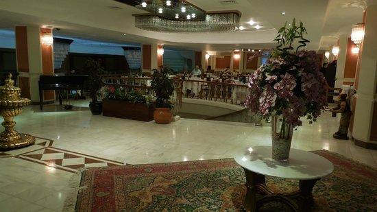 Akgun Istanbul Hotel: レストランの入り口