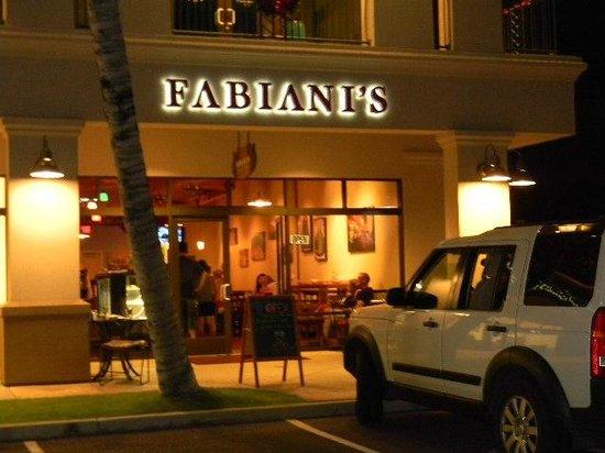 Fabiani's Wailea : outdoor view at night