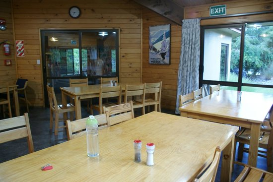 Altamont Lodge: dining area