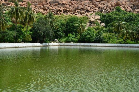Hampi, India: Pampa Sarovar