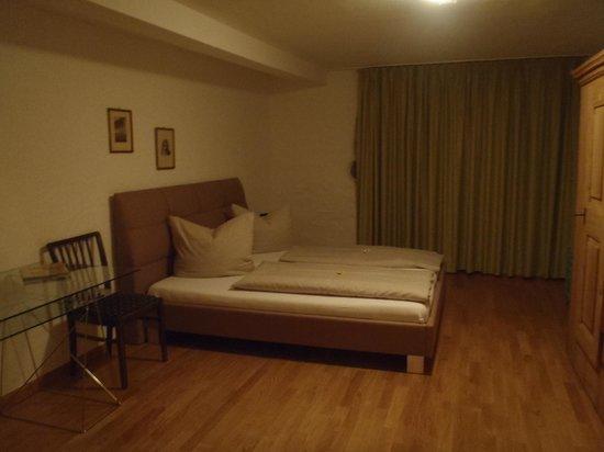 Freiburger Suiten: Bedroom 2