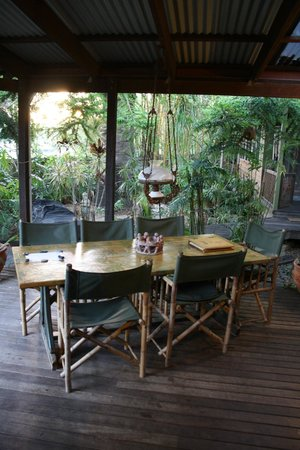 Bamboo Cottage B&B: Outdoor Decking