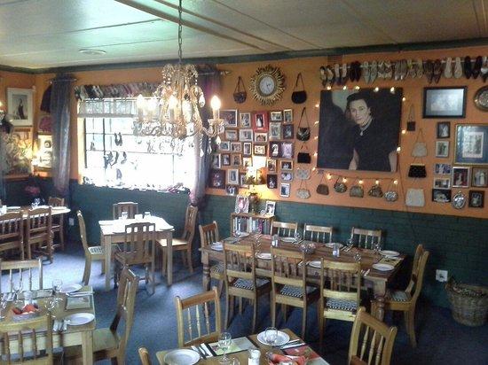 Mrs Simpson's Restaurant: Downstairs
