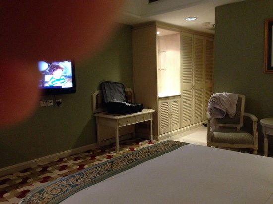 Berjaya Waterfront Hotel, Johor Bahru: My room at level 15..