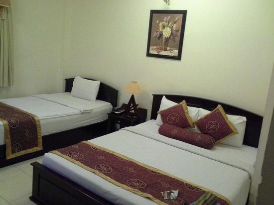 AVA Saigon Hotel: in the room (triple)