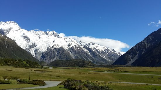 Mt Cook Lodge and Motels : view from room