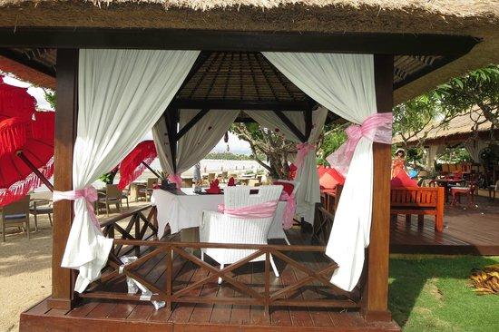 Discovery Kartika Plaza Hotel: Pavillion by the ocean