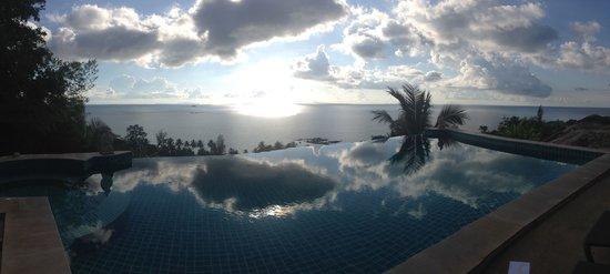Sunset Hill Resort: Infinity pool