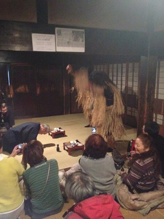 Ogashinzan Traditional Museum : なまはげ暴れだすw