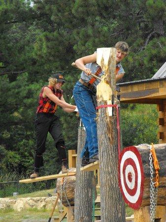 Dells Lumberjack Show: springboard chop