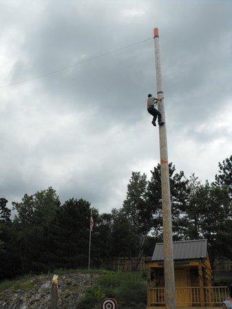 Dells Lumberjack Show: pole climb