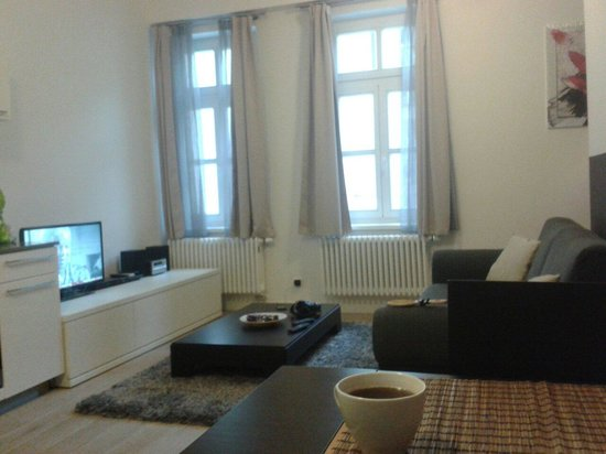 MH Apartments Central Prague: Living area room 16