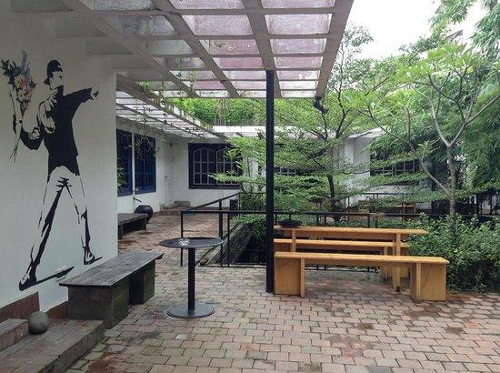 Izumi: Cafe Balcony