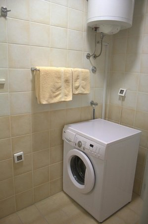 Pervanovo Apartments: Bathroom