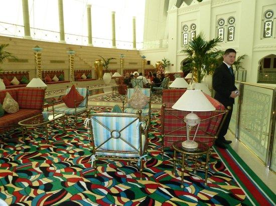 Int rieur picture of junsui dubai tripadvisor for Dubai decoration interieur