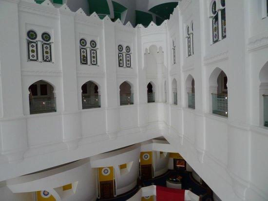 Int rieur de l 39 hotel picture of junsui dubai tripadvisor for Hotel interieur