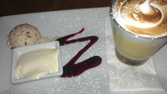 Rustlers Steakhouse and Grill: Lemon meringue