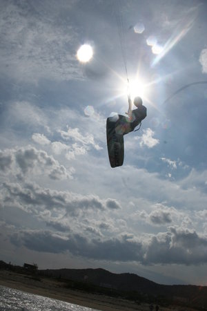 Kitesurf Vietnam: Flying high