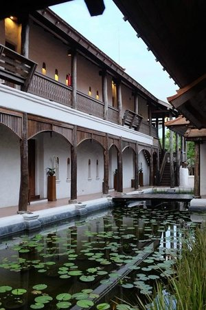 Sibsan Luxury Hotel Rimping Chiangmai: Une aile de chambres