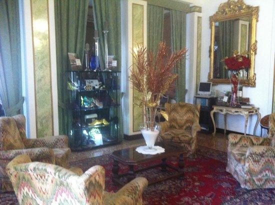 Villa Ducale Hotel e Restaurant: Sala d'attesa