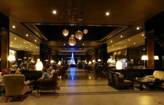 Hotel Riu Palace Tikida Agadir : L'immense lobby/bar/salon