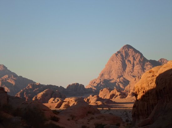 Wadi Rum Green Desert: Moonscape