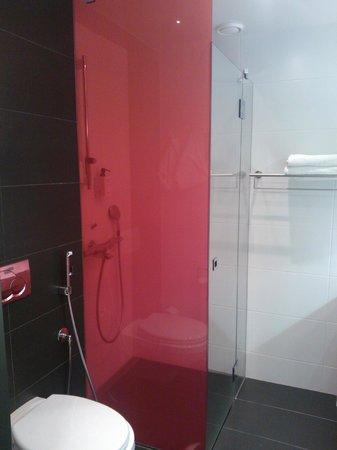 Scandic Tampere Station: Bathroom