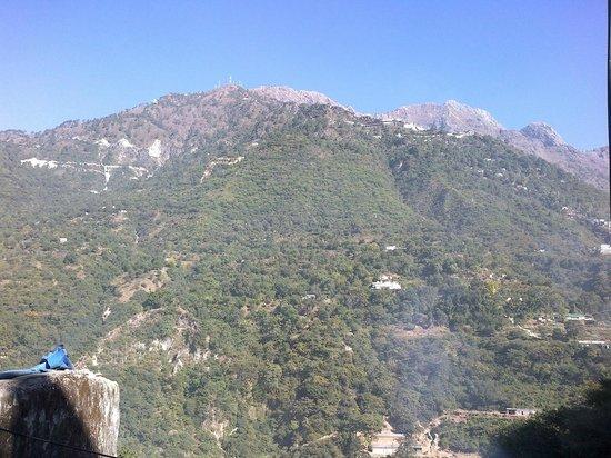 Vaishno Devi Mandir: Vaishno Devi mountain view from Katra