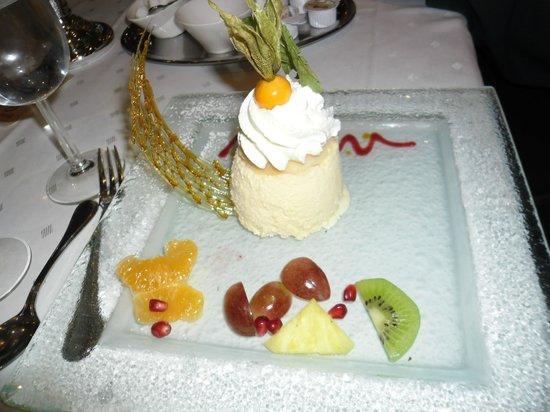Restaurant Krone: sehr feines hoch kunstfertiges Dessert