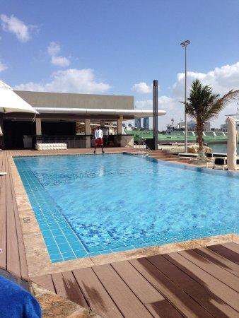 Jumeirah at Etihad Towers: Kids swimming pool
