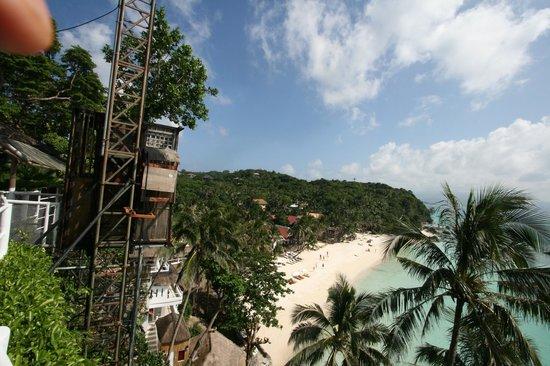 Nami Resort: 호텔 엘리베이터