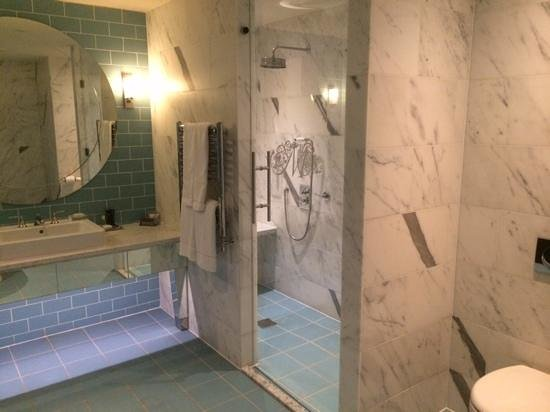 Merchant Hotel : Art Deco Bathroom