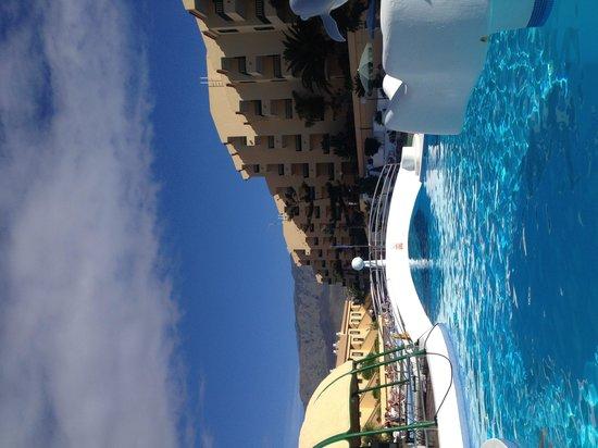 Laguna Park 1: Large pool