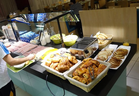 Holiday Inn Express Marseille-Saint Charles: 朝食コーナー