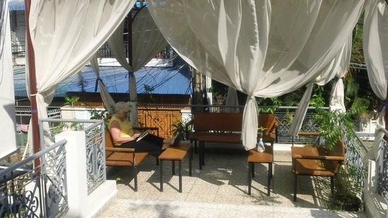 Jasmine Terrace Villa : lounging on the terrace