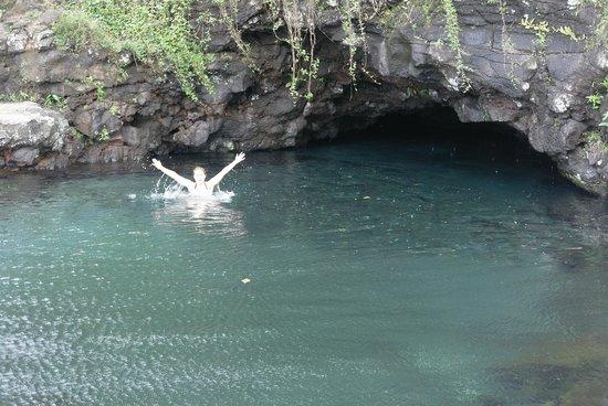 Piula Cave Pool: купаемся!