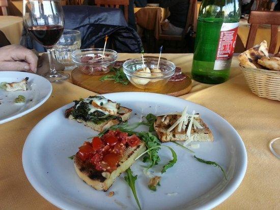Taverna Neapolis: Fantasia di bruschette