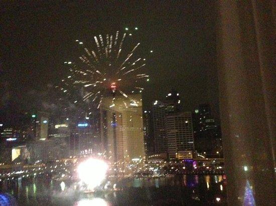 Novotel Sydney on Darling Harbour : Fireworks from my hotel window