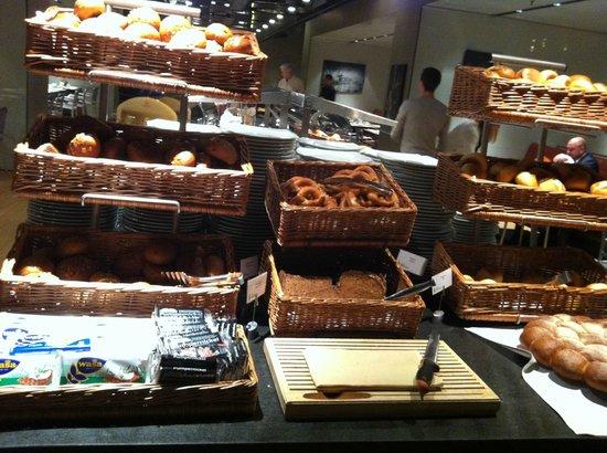 Radisson Blu Hotel, Cologne : Breads