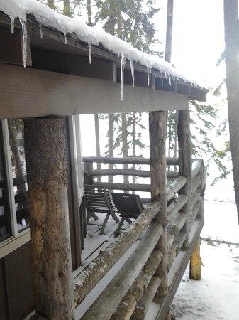 Odell Lake Lodge & Resort: cabin balcony overlooking the lake