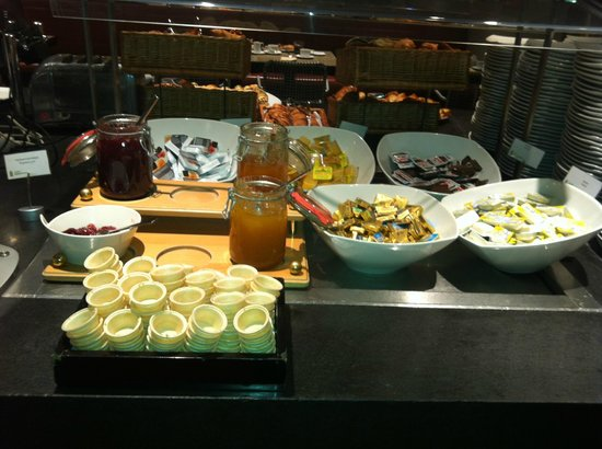 Radisson Blu Hotel Köln: Breakfast buffet