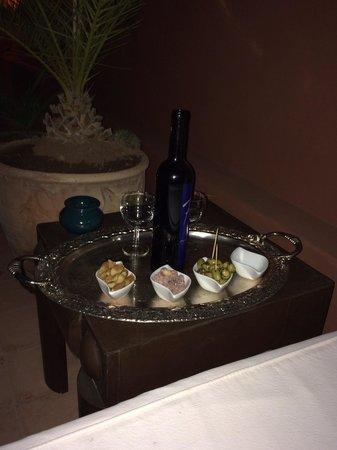 Riad Al Karama : Wine on the terrace