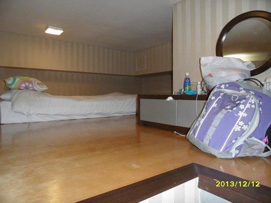 Provista Hotel: Loft with an extra single bed.