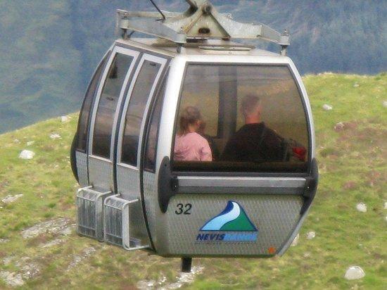 Nevis Range Mountain Experience: The gondolas in action.