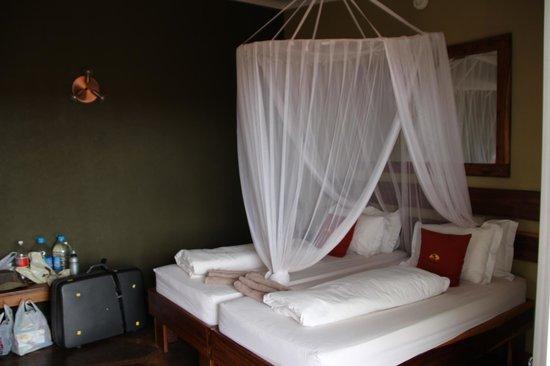 Kalahari Anib Lodge: Schlafbereich