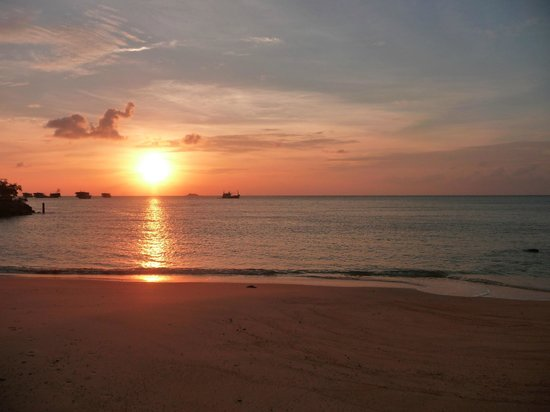 Loyfa Natural Resort: Coucher de soleil plage