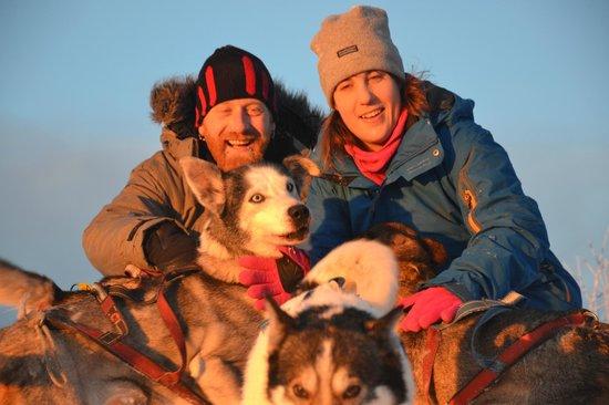 Burning Snow: Kuscheln mit den Huskies